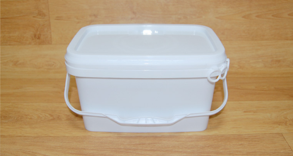 plastic rectangular bucket