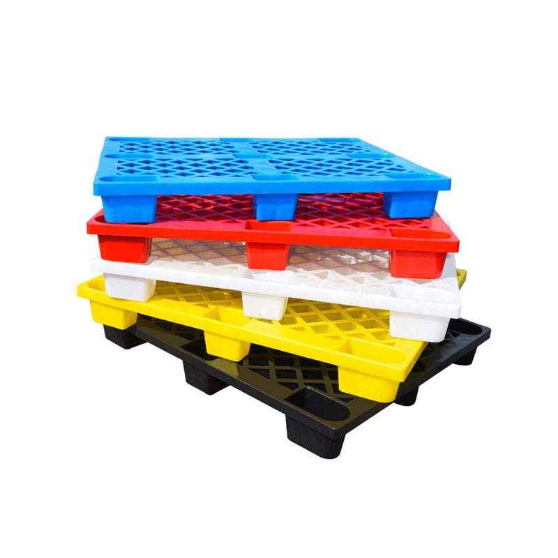 light nine-feet plastic pallet